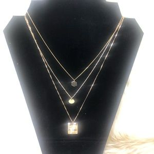 Gold necklace 3 chain